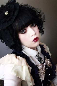 Awesome gothic lolita makeup