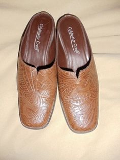 COLDWATER CREEK BROWN TOOLED EMBOSSED LEATHER CLOGS/MULES/SLIDES SIZE 6.5  #COLDWATERCREEK #Mules