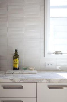 Medium Plenty Kitchen Backsplash Heath Tiles, Remodelista. Heath Ceramics splashback.