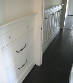 Recessed storage. Remember when my Mom had this at her house!