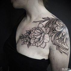 SashaTabuns @alex_tabuns BLACKOUT tattoo collective @blackouttattoocollective #blackouttattoocollective