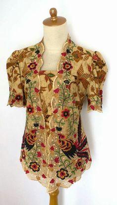 Hf Kebaya Lace, Batik Kebaya, Model Dress Batik, Batik Dress, Blouse Batik, Batik Fashion, Bridesmaids, Floral Tops, Birds