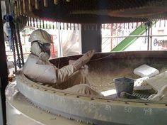 Čištění technologií Čištění specializovaného vybavení a strojních zařízení Čištění suchou a mokrou cestou Údržbové práce při továrních odstávkách