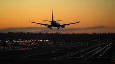 10 U. Airports Pilots Don't Like Flying Into - Condé Nast Traveler Las Vegas Airport, Las Vegas Trip, Las Vegas Hotels, Travel 2017, Travel Usa, Travel Tips, Travel Ideas, Celebrity Travel, Four Seasons Hotel