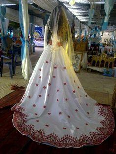#Palestinian wedding dress. We love this way of stitching! #almortaqawomen #jerusalem