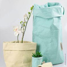Bolsa de papel orgánica, lavable y ecológica.  Paper Bag XXLarge blanco. Bolsa de material orgánico muy resistente que te permite guardar en su interior todo aquello que desées Además podrás utilizarla todas las veces que quieras ya que se pueden lavar facilmente manteniendo su forma.