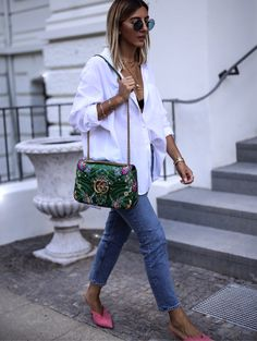 The only thing that really helps is the decision for summery statement accessories, in this case happened it terms of my Gucci floral Marmont bag in green Cozy Winter Outfits, Summer Outfits, Casual Outfits, Summer Dresses, Mode Outfits, Fashion Outfits, Womens Fashion, Outfits Con Camisa, Oversized Blouse