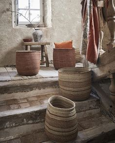Beautiful baskets from Tanzania, made by the Hehe tribe. We did chose natural and rust colors. Perfect for storage. Photography @jeroenvanderspek styling @cleoscheulderman #iringa #tanzania #milulugrass #swampgrass #handmade #newonthewebshop #hehetribe #basket #storage #artisanal #madebywomen #oldwoodenstool
