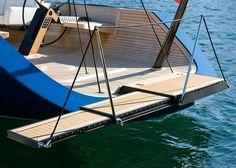 Парус Сиззлер Кер 60 парусник это невероятное единственный в своем роде деревянный парусник был разработан специально для озера Кер-д'Ален и построен морской группы Hagadone. На яхте плавали в одиночку ее владелец, используя массив сложных гидравлических элементов. Она составляет 60 футов в длину с 94-метровой мачты, вытесняет 42,000 фунтов, и 30 пальто ...
