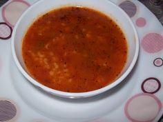 Bulgur çorbası çok vitaminli ve faydalı bir çorba çeşididir. Bulgur çorbası emzikli bayanlara önerilirken gaz problemi yaşanmasın diye önlem alınmalı diye uyarılıyorlar. Bulgur çok şifalı baklagillerdendir. Bulgurdan birçok yemek yapılmaktadır. Ayrıca birçok da çorba çeşidi yapılmaktadır. Bulgur çorbası kalın bulgurdan yapılan soğan, sarımsak, salça, baharatlardan yapılan çok lezzetli bir çorba tarifidir. Umarım bulgur çorbası tarifimi …