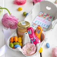 Egg carton gift box for Easter - Egg carton gift packaging for Easter // Easter gift // Easter DIY / DIY with kids - Easter Party, Easter Gift, Easter Crafts, Happy Easter, Crafts For Kids, Easter Presents, Summer Crafts, Fall Crafts, Christmas Crafts