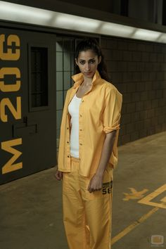 Alba Flores as Saray in 'Vis a vis' Netflix Series, Alba, Nairobi, Tv Shows, Normcore, Actors, Movies, Wallpapers, Dom