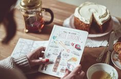 Libreta Things that make me fall in love with london #london #lovelystreetslondon #lovelystreets #travel #map #wanderlust