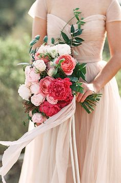 Bouquet by Wilder Floral Co. Photo by Ashley Ludaescher Photography (via Botanical Brouhaha). Silk Bridal Bouquet, Bridal Flowers, Bridesmaid Bouquet, Wedding Bouquets, Ribbon Wedding, Wedding Dresses, Garden Styles, Pink Roses, Beautiful