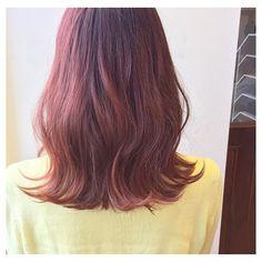アレンジ自在!カットいらずで外国人風の髪型に♡ミディアムの波巻ヘアを集めました♡