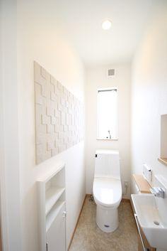 クリーンに保ちたいスペースに、清潔感のあるデザイン性のあるエコカラットを。 Bathroom Toilets, Bathrooms, My Room, Tiny House, House Plans, New Homes, Layout, House Design, Interior