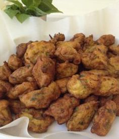 ΚΟΛΟΚΥΘΟΚΕΦΤΕΔΕΣ Greek Recipes, Easy Cooking, Tandoori Chicken, Finger Foods, Chicken Wings, Food And Drink, Anna, Meat, Ethnic Recipes