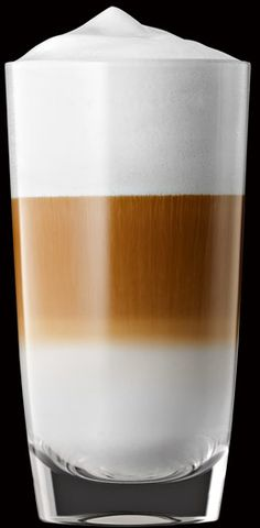 Latte macchiato in perfection Love Coffee - Makes Me Happy