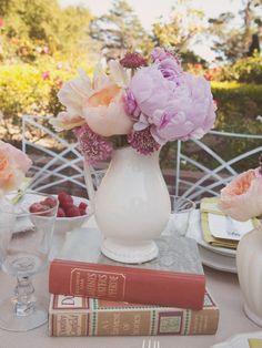 Wedding Decor Inspiration: Antique Book Centerpieces
