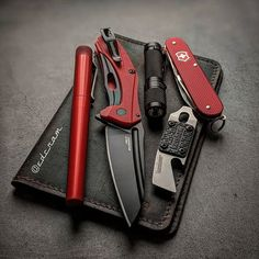 Urban Survival, Survival Tools, Survival Stuff, Edc Tools, Edc Gadgets, Bushcraft Skills, Edc Tactical, Everyday Carry Gear, Doomsday Prepping
