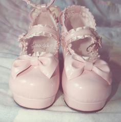 Pink lolita shoes ~ kawaii