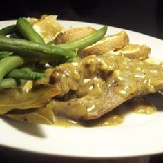 I have never tried rabbit, but I'm always up for something new, and the gravy on this looks quite good! - Herb and Beer Braised Rabbit Meat Recipes, Mexican Food Recipes, Healthy Recipes, Rabbit Recipes, Game Recipes, Rabbit Dishes, Rabbit Food, Braised Rabbit Recipe, Deserts