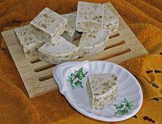Jabon de salvia Limpieza Natural, Salvia, Bottle Design, Feta, Perfume Bottles, Cheese, Roxy, Cocoa Butter, Sweet And Saltines
