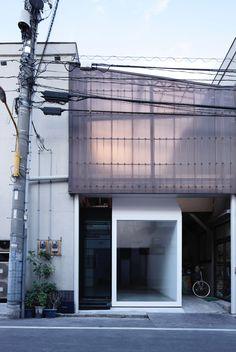 cubo design architect: gallery MOMO2
