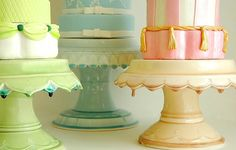 Roundup: Cake Stands for the Holidays