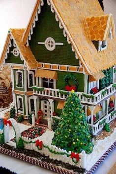 Gingerbread House - Amazing, minus the christmas tree, and different colors.