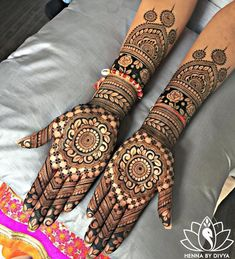 No wedding look is complete without one's mehndi-clad hands. Check out these rose design mehndi looks that will look breathtaking on every bride and her bffs! Indian Mehndi Designs, Full Hand Mehndi Designs, Mehndi Designs 2018, Mehndi Design Photos, Wedding Mehndi Designs, Beautiful Henna Designs, Simple Mehndi Designs, Henna Tattoo Designs, Mehandi Designs