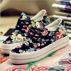 Simple and Modern Tricks: Fila Shoes Sneakers trendy shoes steve madden.Fila Shoes Low formal shoes for suits. Trendy Shoes, Cute Shoes, Casual Shoes, Shoes Style, Casual Sneakers, Shoe Boots, Shoes Heels, Prom Shoes, Converse Shoes