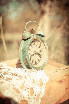 Shabby Cottage Chic  Vintage green teal robin's egg blue clock #toptobottom #wearteal #belabumbum