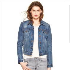 Gap jean jacket Super cute distressed blue jean jacket says size (m) but I'm a small and it fit good too🚫 *check this out on Merc it may be cheaper or is able to be lowered if asked because they don't take a 20% of the sale* :)🚫 GAP Jackets & Coats Jean Jackets