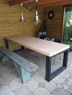 Robuuste tuintafel Metal Dining Table, Steel Table, Dining Room Table, Wood Table, Outdoor Dining, Outdoor Tables, Steel Furniture, Home Decor Furniture, Industrial Furniture