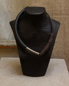 Comtemporary jewelry: Asymmetrical rubber necklace -:- AMALTHEE CREATIONS -:-