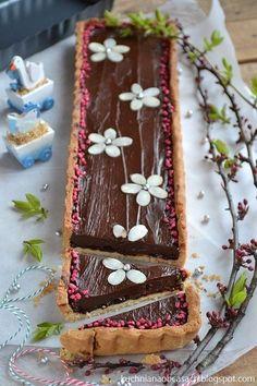 kuchnia na obcasach: Mazurek czekoladowy No Bake Desserts, Delicious Desserts, Polish Easter, Polish Recipes, Rice Cakes, Sweet Cakes, Cake Cookies, Food Photo, Chocolate Cake