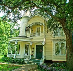 Victorian yellow house by Gmomma