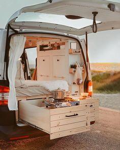 Camper Van Life, T5 Camper, Caravan Home, Caravan Living, Camper Van Conversion Diy, Bus Life, Van Interior, Tiny House On Wheels, Small Living