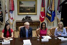 Donald Trump contratou a filha mais velha para o cargo de assistente. Terá acesso a informação confidencial. Nunca a Casa Branca teve tantos familiares no gabinete presidencial