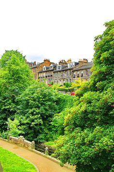 Dean Terrace Along The River Leith - Edinburgh, Scotland