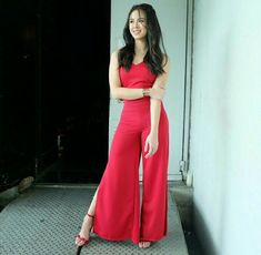 The lady in red slaying in this classy outfit! Classy Outfits, Kisses, Lady In Red, Two Piece Skirt Set, Ootd, Skirts, Fashion, Posh Clothing, Madame Red