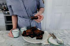 Bourbon Caramel Brownies + A KENTUCKY DERBY GIVEAWAY! | Joy the Baker
