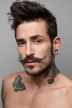 Moustache wax can be used to get the cool moustache look. And here is how to apply moustache wax effectively. Bart Tattoo, Tattoo Trend, Wild Tattoo, Chest Tattoo, Goatee Styles, Beard Styles For Men, Hair And Beard Styles, Men Facial Hair Styles, Beard Styles