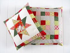 Fussy Cut: Christmas pillows