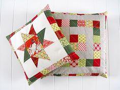 Fussy Cut: Christmas pillows
