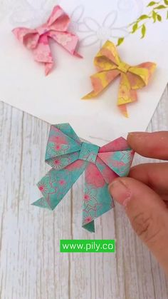 Cool Paper Crafts, Paper Flowers Craft, Paper Crafts Origami, Diy Crafts Hacks, Diy Crafts For Gifts, Creative Crafts, Diy Projects, Instruções Origami, Origami Ribbon