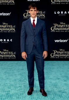 "Brenton Thwaites Photos Photos - Actor Brenton Thwaites attends the premiere of Disney's ""Pirates Of The Caribbean: Dead Men Tell No Tales"" at Dolby Theatre on May 18, 2017 in Hollywood, California. - Premiere of Disney's ""Pirates of the Caribbean: Dead Men Tell No Tales"" - Arrivals"