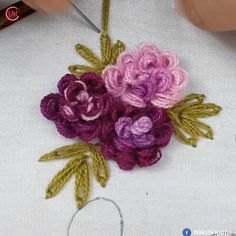 hand embroidery all over design for dress Hand Embroidery Videos, Floral Embroidery Patterns, Embroidery Stitches Tutorial, Embroidery Flowers Pattern, Hand Work Embroidery, Flower Embroidery Designs, Creative Embroidery, Rose Embroidery, Learn Embroidery