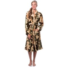 Wrap yourself in pampering comforter with this plush bathrobe, crafted with soft microfiber polyester. Designed with a fashionable camouflage pattern, this unique rube is complete with a shawl collar and convenient patch pockets.